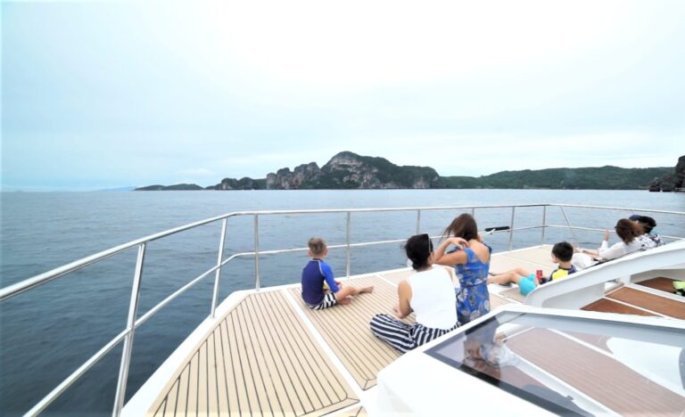 PHI PHI ISLANDS SUNSET SPEED CATAMARAN, NOVEDAD!
